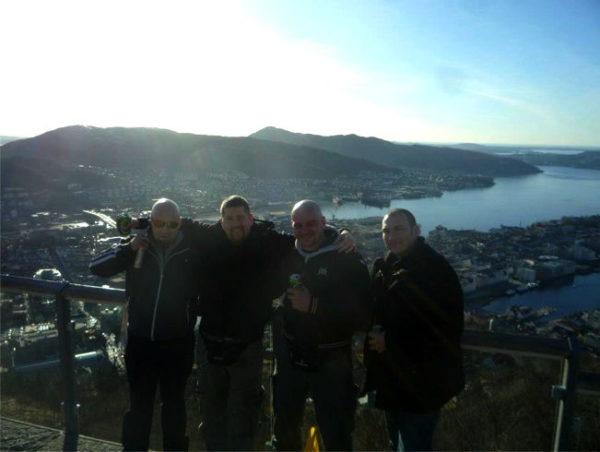 Silvan Gex-Collet (2.v.l.) und Andre Senn (1.v.r.) an einem internationalen Treffen in Schweden 2013