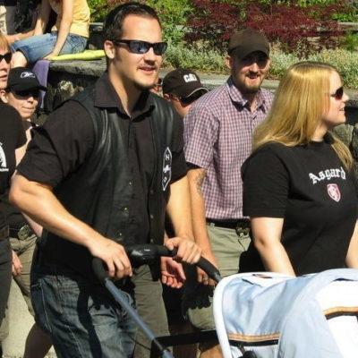 Die frischgebackenen Eltern Cedric und Sabrina Rohrbach am Aufmarsch zur Sempacher Schlachtfeier 2008