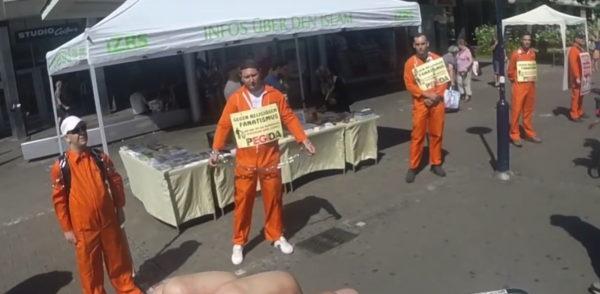 Einige verwirrte Pegida-Mitglieder demonstrieren in Basel gegen den Islam