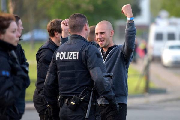 Jürg Steiner in der Polizeikontrolle....